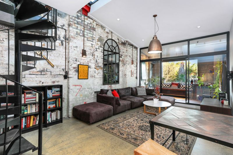 Innovatively Designed Warehouse Conversion Offers Generous Proportions & Leafy Outlook
