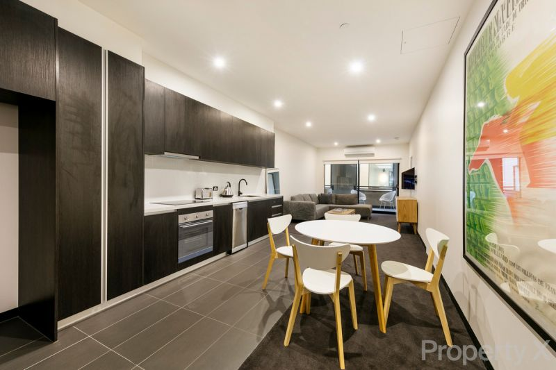 Huge Unfurnished 1 Bedroom Apartment! Must Inspect to Believe!!