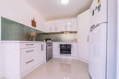 Fully Renovated Townhouse in Runcorn!!
