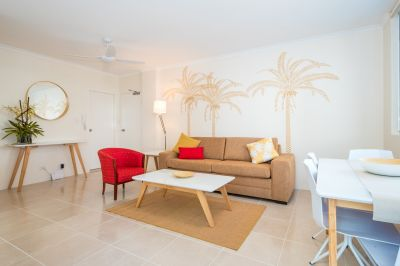 PRIME LOCATION ONLY 50M TO THE BEACH!