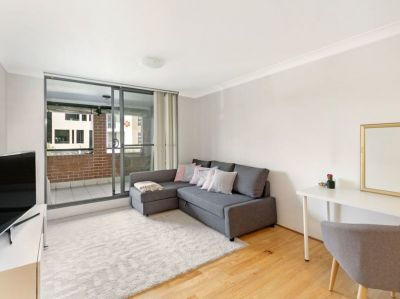 Spacious One Bedroom Entertainer