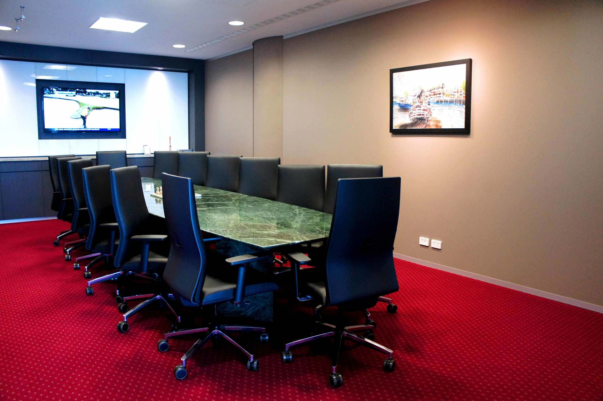 PREMIUM BUILDING OFFICES LOCATED IN THE MOST DYNAMIC LOCATIONS WITH AMAZING VIEWS