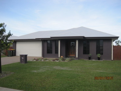 Beautiful Family Home in popular Northshore! with Solar Hotwater!