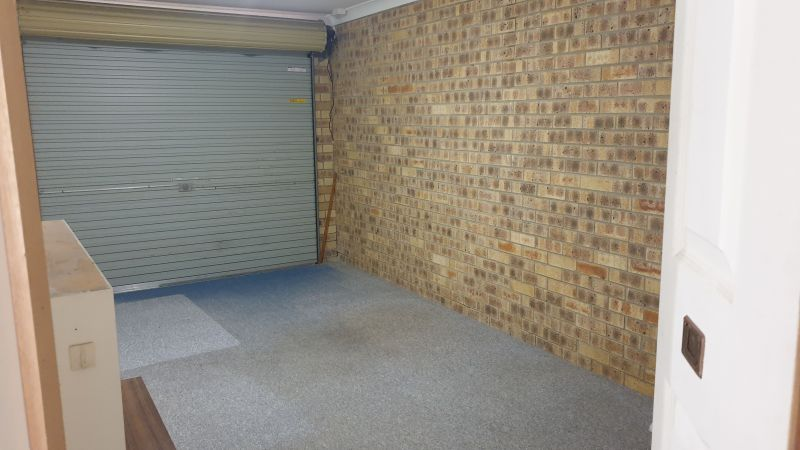For Sale By Owner: 2/14 Nina Parade, Arundel, QLD 4214