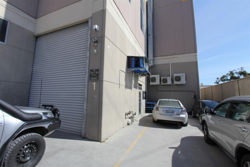 288m² Food Warehouse Incl. Cool Rooms & Equipment