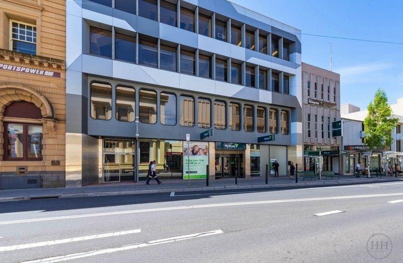 Refurbished Office Space in Landmark CBD Building