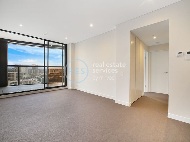Bright, East Facing 2-Bedroom Apartment with Parking!