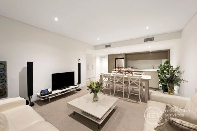 A luxury modern statement in Yarra's Edge