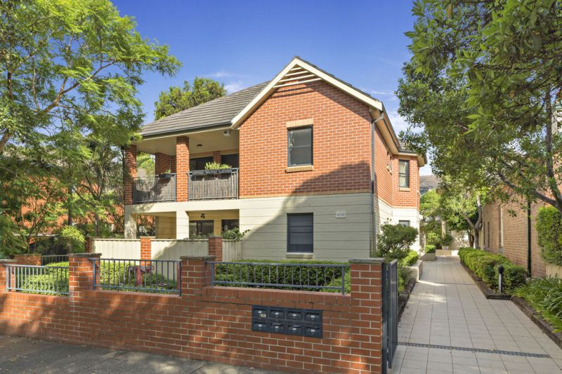 Townhouse-like Apartment