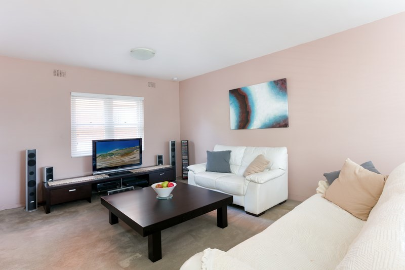 Great Size One Bedroom