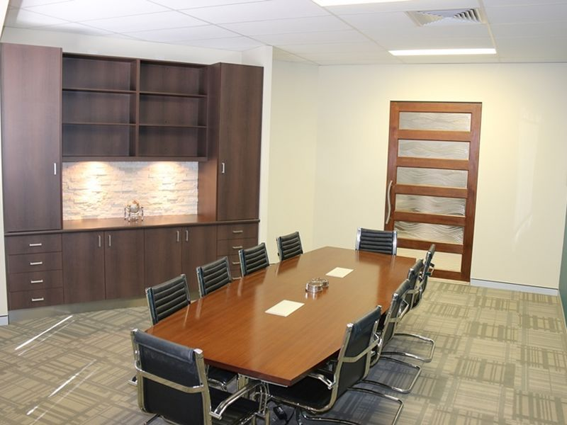 SUPERIOR PROFESSIONAL OFFICE IN PREMIER BUSINESS ESTATE!