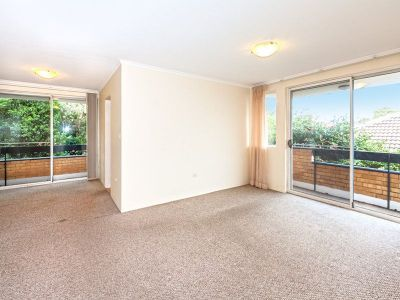 Spacious Two Bedroom Apartment with Parking