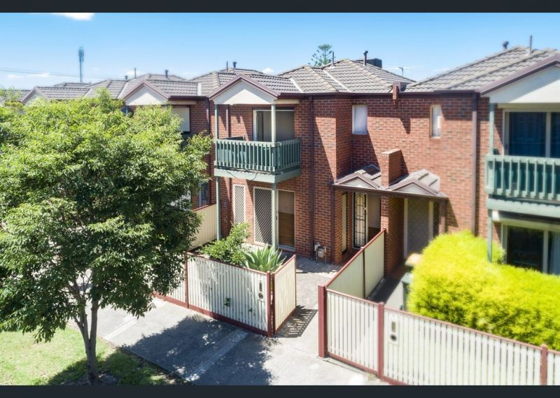 Private Rentals: 4/94 Hampshire Road, Sunshine, VIC 3020