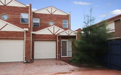 Comfortable Three Bedroom Townhouse