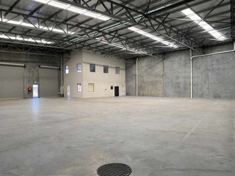 STAND ALONE OFFICE WAREHOUSE