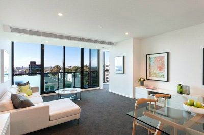 Australis: 24th Floor - Three Bedroom with Large Open Spaces!