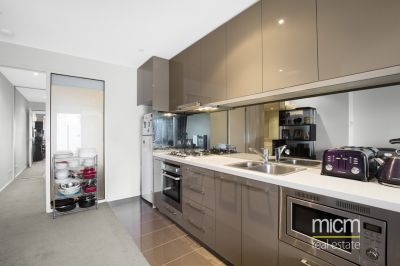 Charming Two Bedroom Apartment in the Heart of Southbank!