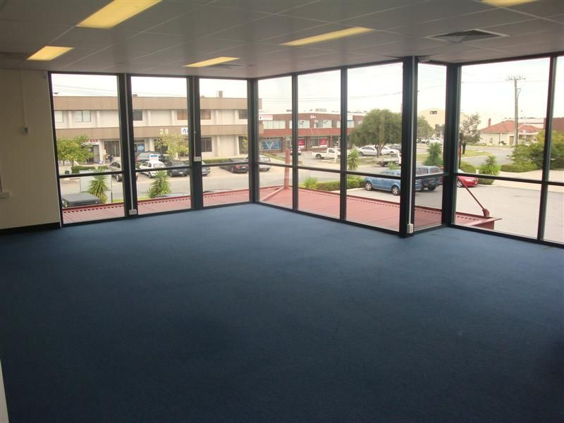 WELL PRESENTED OFFICES WITH HUGE NATURAL LIGHT