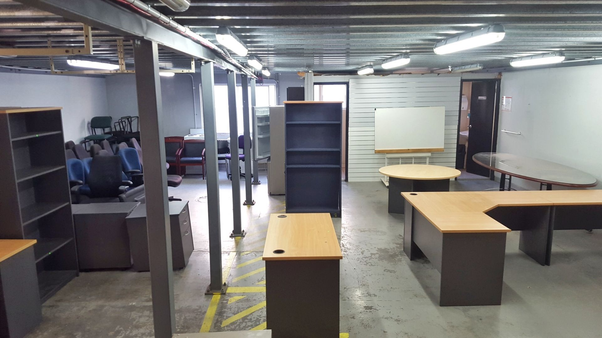 CENTRAL188m2 WAREHOUSE UNIT  - WITH OPTIONAL EXTRA OFFICE