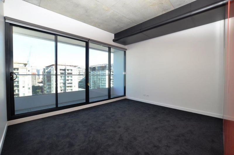 Sunday Apartments: Stylish One Bedroom Apartment in Southbank!