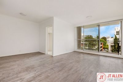 Beautifully Renovated Two Bedroom Apartment In A Fantastic Location