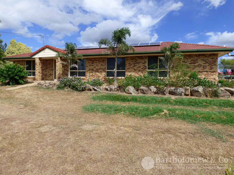 Are you looking for a nice little semi-rural package?