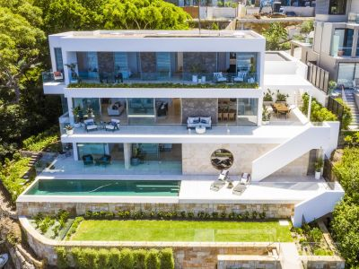 Brand new prestige property with private waterfrontage.