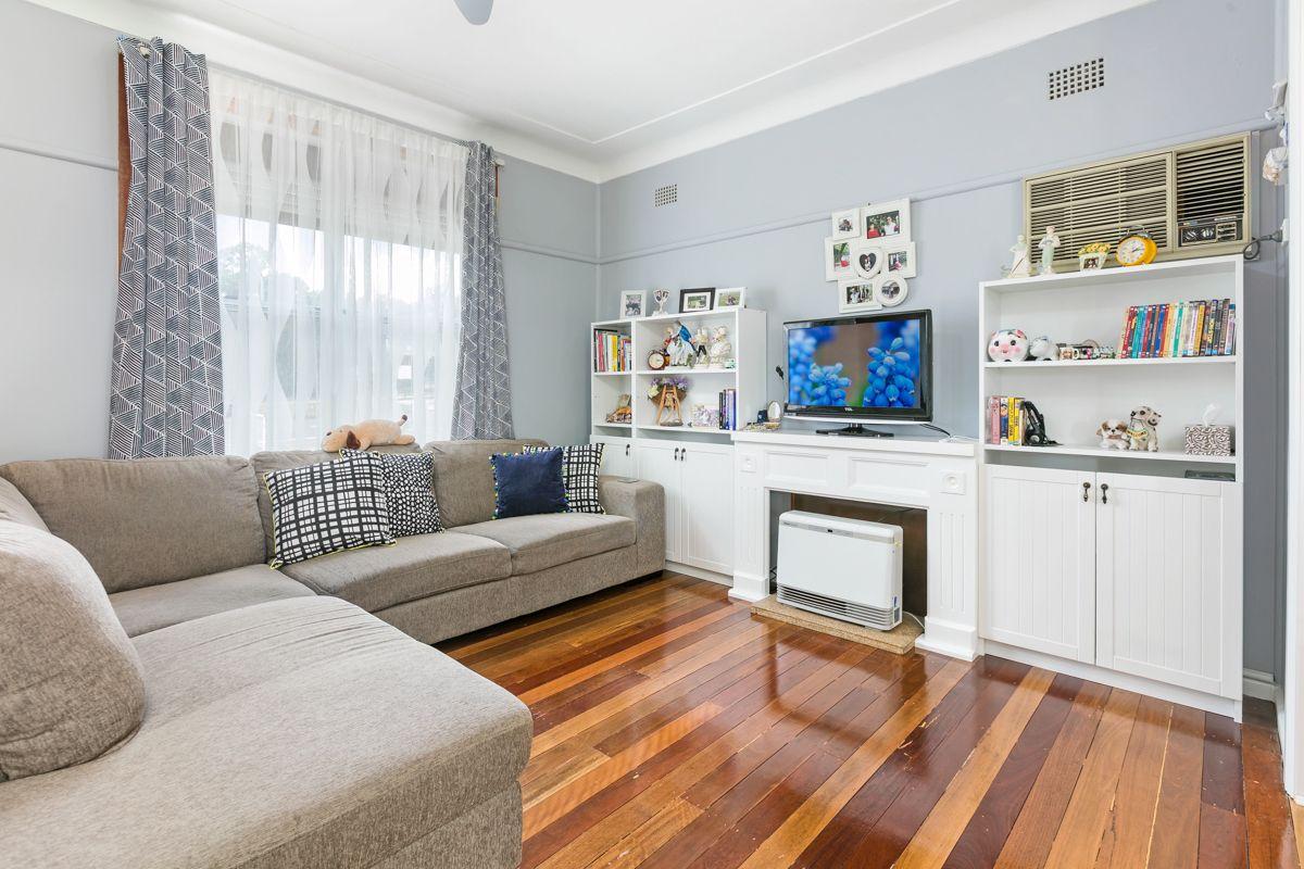 15 Vardys Road, Lalor Park NSW 2147