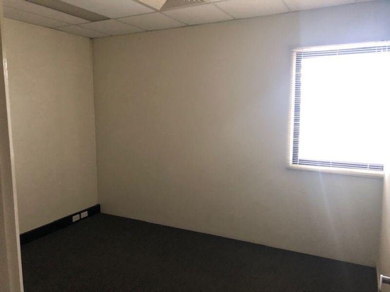415sqm Duplex Unit With Excellent Access