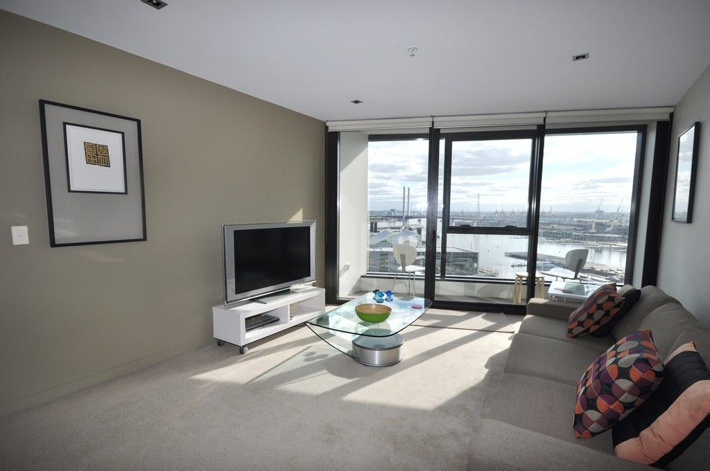 Victoria Point - Stunning Fully Furnished Apartment!