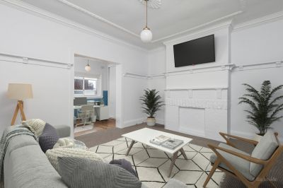 Bright Two Bedroom Unit on Eastern Hill