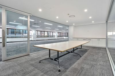 OPEN PLAN OFFICE - ABSOLUTE CBD FRINGE!