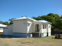 2 BEDROOM UNFURNISHED HOUSE - CLOSE TO TOWN