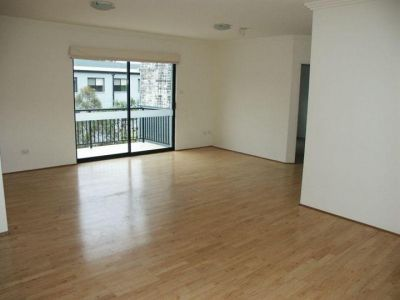 Well lit 2 bedroom apartment for lease