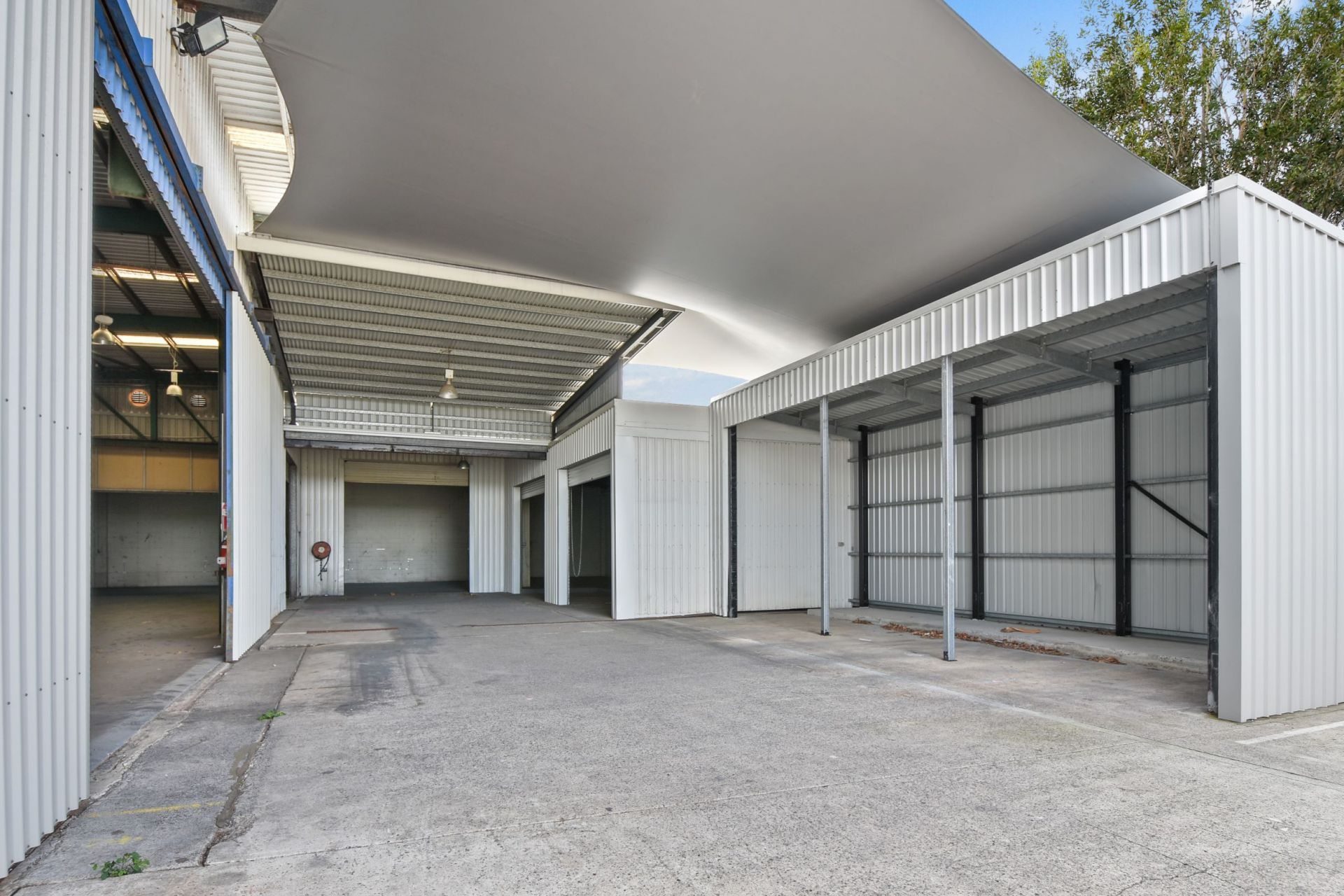 Freehold Site - High Profile 865sq m (approx) Warehouse With 240amps 3 Phase Power