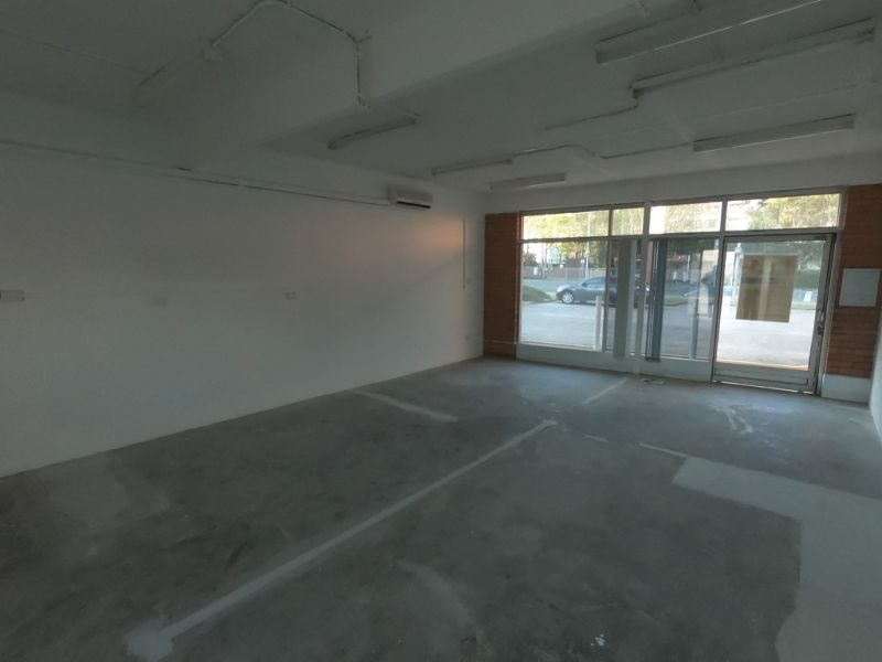 Retail/Office Opportunity Located Along Busy Anzac Avenue
