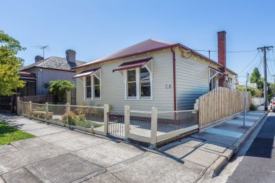 Corner this!! A limited Seddon address and opportunity!