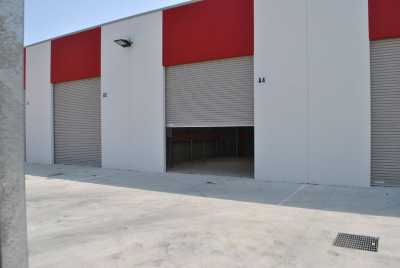 58 m2 Warehouse With Pallet Racking