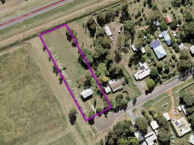 *REDUCED TO OFFERS OVER $299,000 - 10 Mins To Ipswich And Over An Acre