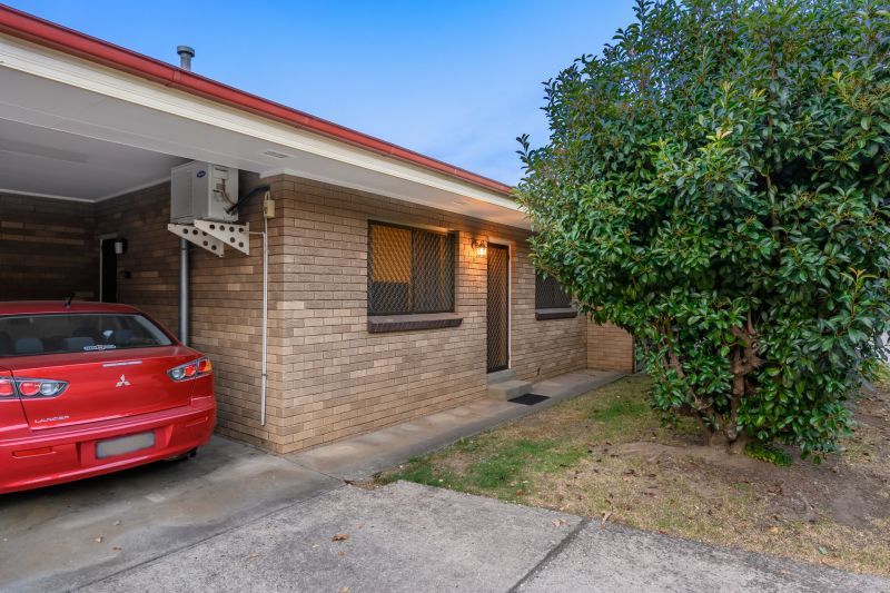 Low Maintenance Central Albury Unit