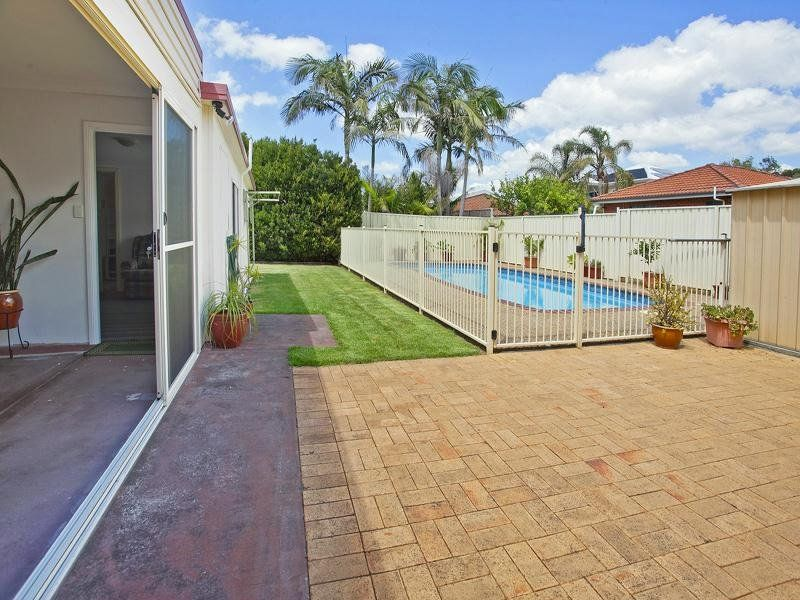 13 Corinda Road, Woonona NSW