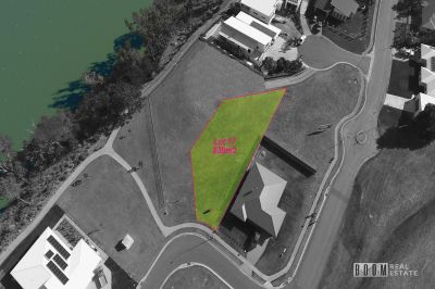 839m2 With River and Golf Course Views