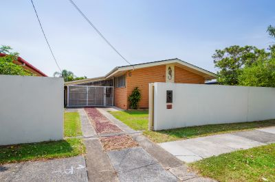Res B (Duplex) Block with Original Brick and Tile Home - Walk to Broadwater and Shops!