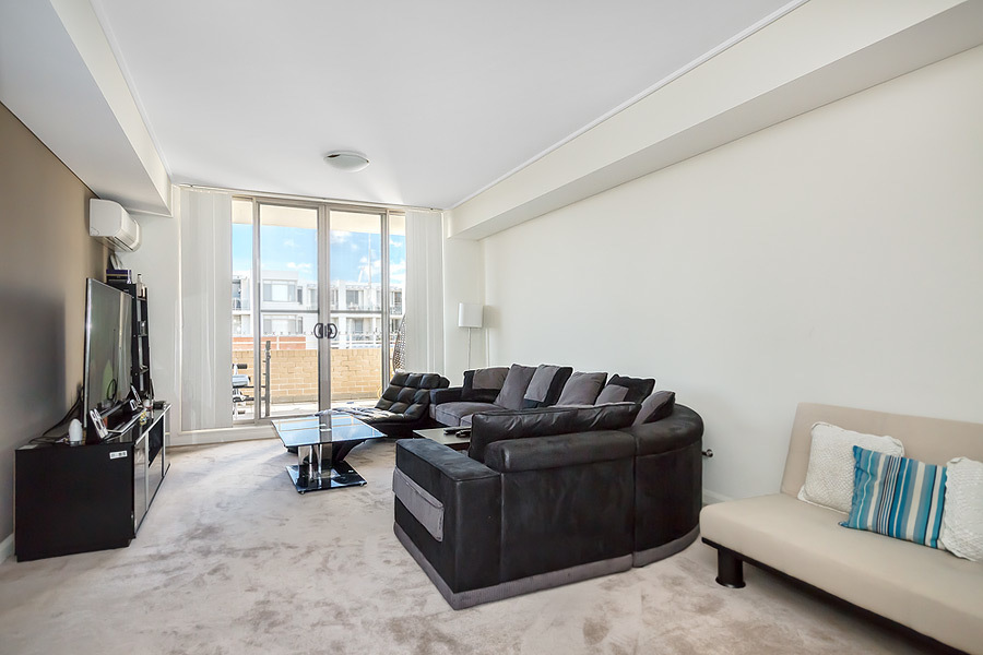 711/19 Hill Road, Wentworth Point