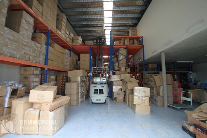 IMMACULATE WAREHOUSE & CENTRAL LOCATION