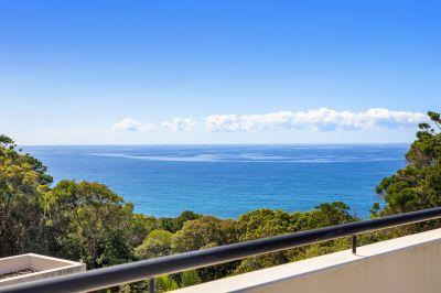 Luxury Villa with Breathtaking Ocean Views