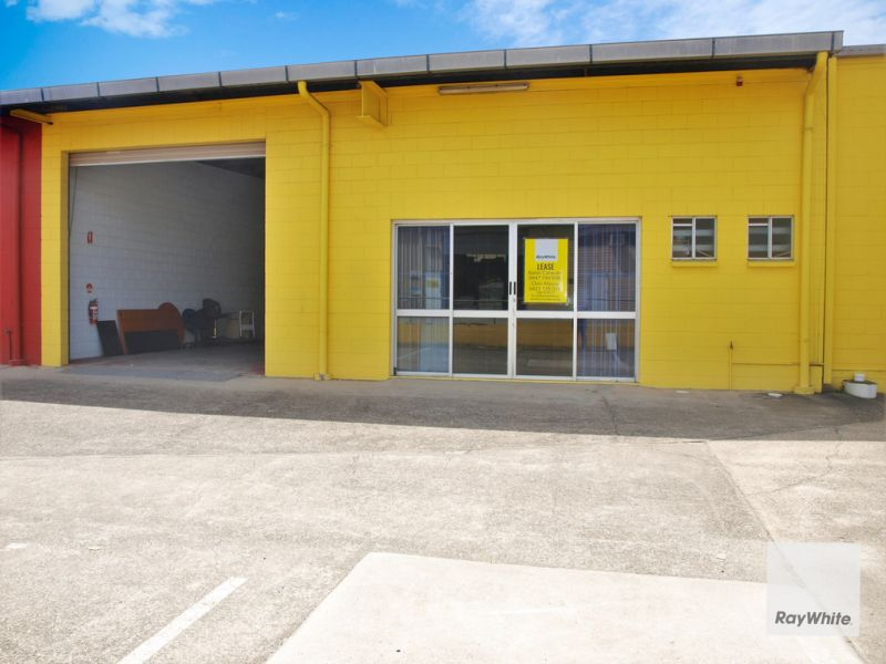Industrial Warehouse in Prime Location