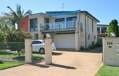 Sapphire Sunset, townhouse ideally located