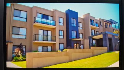 Modern 2 bedroom 2 bathroom apartment at The Entrance.