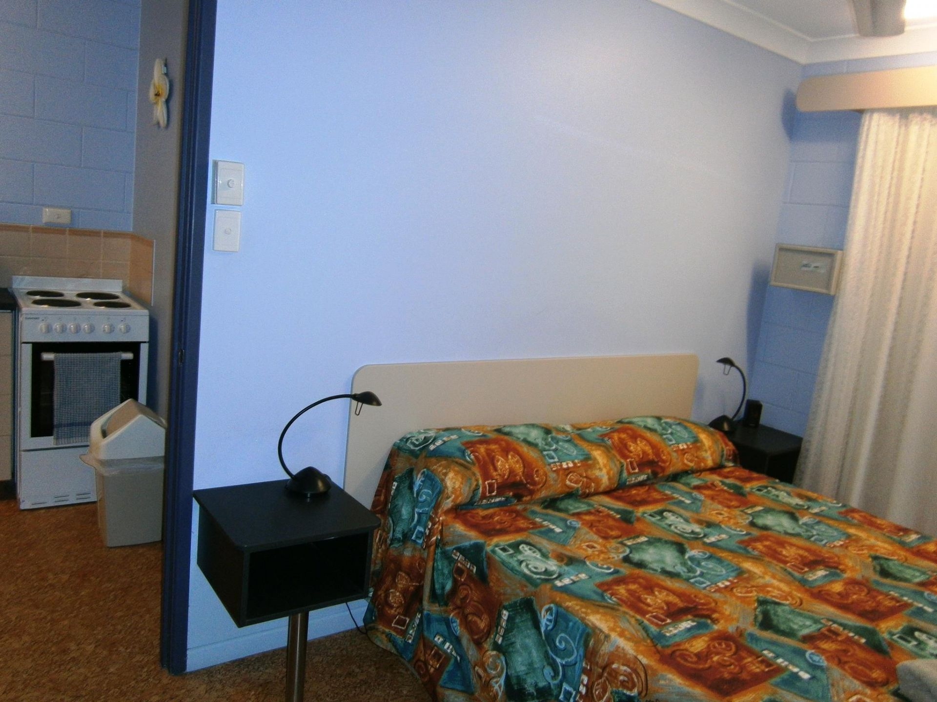 ACCOMMODATION BUSINESS. FREEHOLD WITH 9 X 1BR UNITS PLUS 2BR MANAGERS RESIDENCE